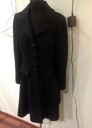 Продам чорное женское пальто