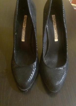 Туфли в чешуйчатый принт от английского бреда london buffalo