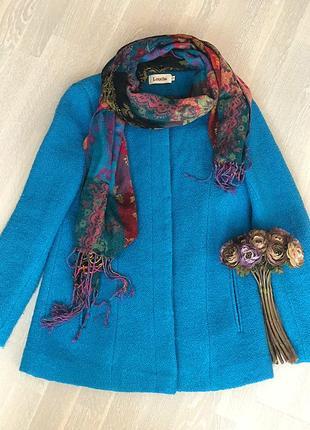 Яркое пальто  бренда louche