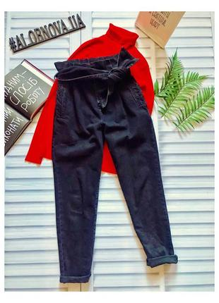 Черные выбеленные мом джинс с высокой талией от asos