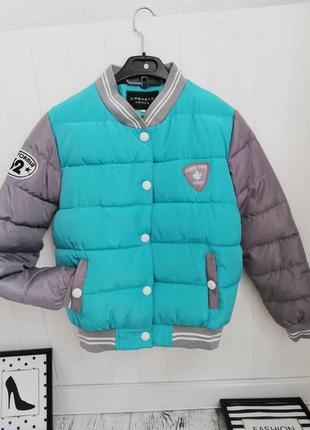 Стильная куртка бомбер