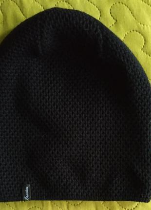 Шапка вязаная черная теплая