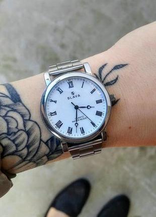 Часы женские фирменные с металлическим браслетом