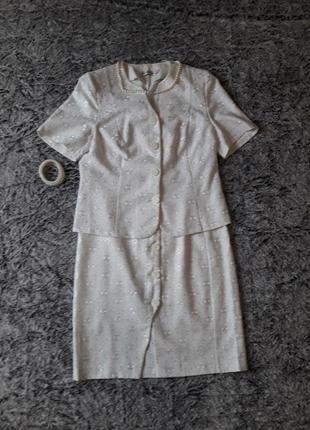 Нарядный льняной костюм