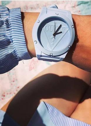 Guess оригинал. в наличии новые женские часы, разные цвета