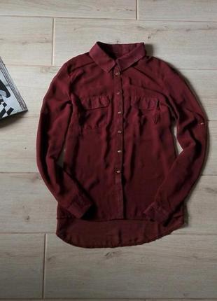 Красивая шифоновая блуза рубашка бордового цвета свободного кроя с кармашками