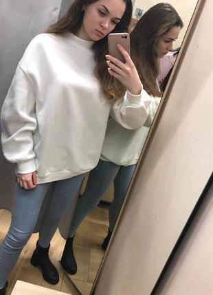 Белая толстовка свитер свитшот худи футболка с длинным рукавом bershka1