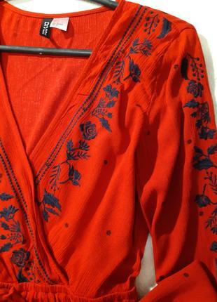 Красивая стильная блуза с вышивкой.размер s3 фото