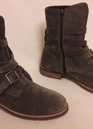 Стильные замшевые ботинки фирмы oxmox ( италия) р. 41 стелька 26,5см4