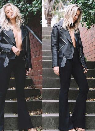 Клешные стрейчевые строгие джинсы 102 длина/класное качество