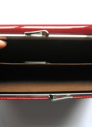 Большой вишневый кожаный лаковый кошелек, 100% натуральная кожа, есть доставка бесплатно4 фото