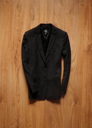 Прекрасний жіночий піджак темно-сірого кольору від calvin klein