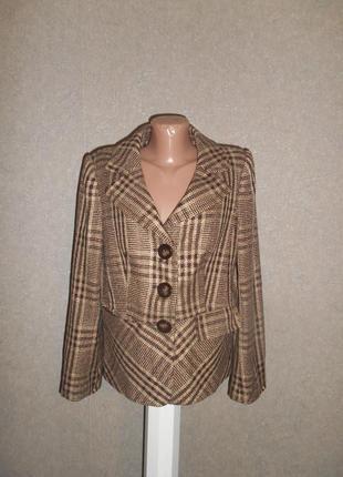 30 % шерсти стильный теплый пиджак 14 р.