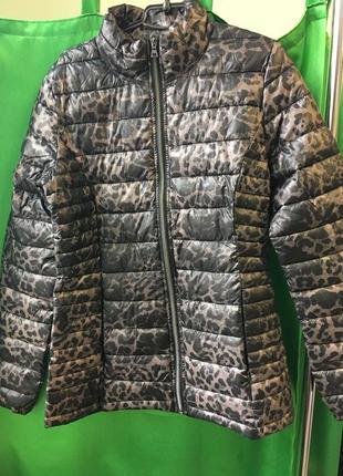 Супер куртка в актуальный принт