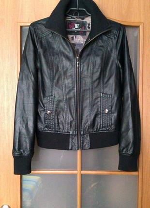 Кожаная куртка стильная кожанка l-xl