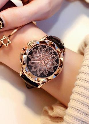 Женские наручные часы classic diamonds