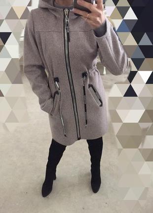 Пальто, качество и лекало супер! 42по 52.