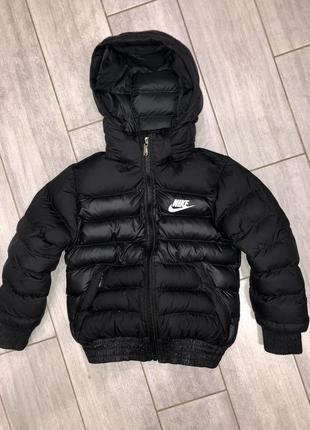 Оригинальная, стильная, демисезонная курточка nike 4-5 лет indonesia. унисекс