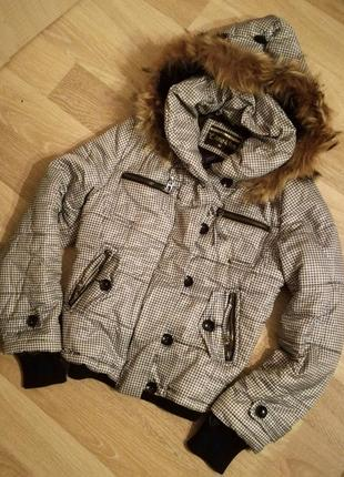 Тёплая куртка-пуховик с капюшоном мех в клеточку