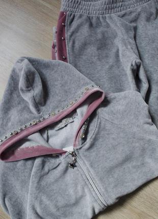 Крутой велюровый костюм: кофта с капюшоном на замке и штаны на резинке
