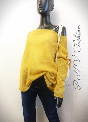 Женский свитер оверсайз с золотом1