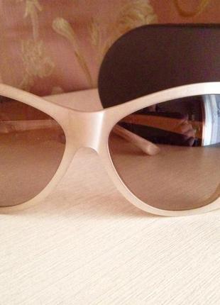 Очки солнцезащитные max mara!