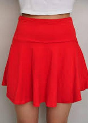 Красная расклешенная мини юбка / посадка на талии