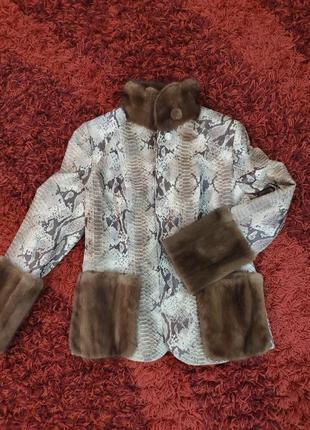 Новый кожаный пиджак декорированный мехом норки