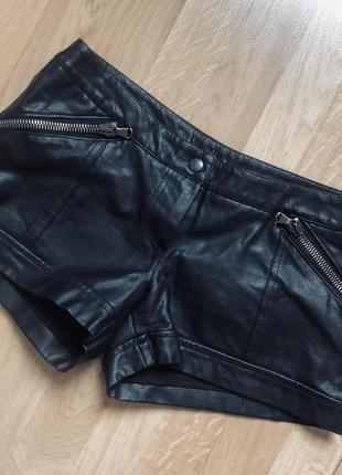 Кожаные шорты для выступлений/ тренировок