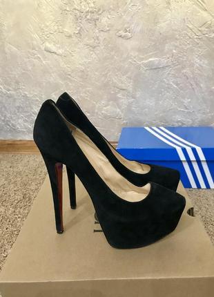 Туфли женские louboutin