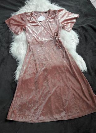 Бархатное платье на запах