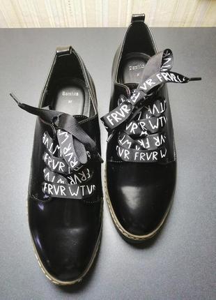 Женские туфли bershka