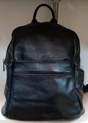 Рюкзак натуральная кожа,много классных моделей и цветов .