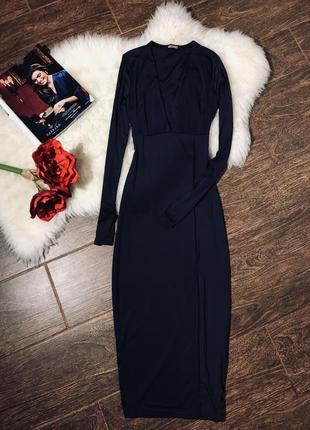 Очень красивое обтягивающее платье
