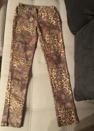 Леопардовые джинсы