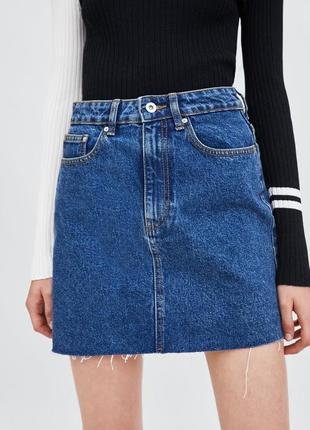 Джинсовая юбка zara оригинал высокая талия с рваным краем