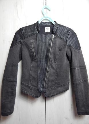 Стильная весенняя курточка косуха джинсовая