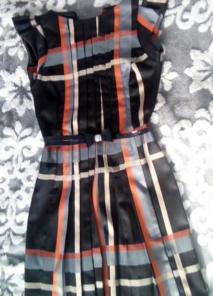 Гарна сукня платье