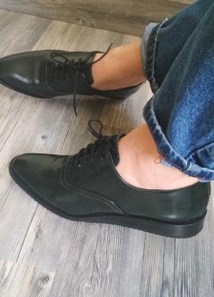 Крутые кожаные туфли лоферы оксфорды дерби