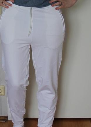 Спортивные штаны белые flash team