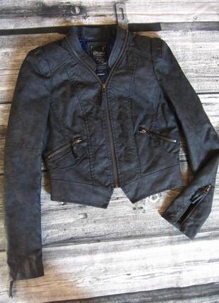 Куртка женская bershka m-указан,но очень маломер. на xs