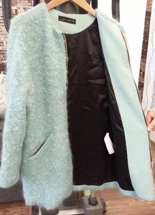 Отличное полу пальто бирюзового цвета zara .цена 550 гр.
