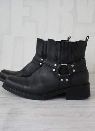 Крутые кожаные ботинки в ковбойском стиле memphis one