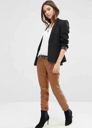 Кожаные брюки gestuz