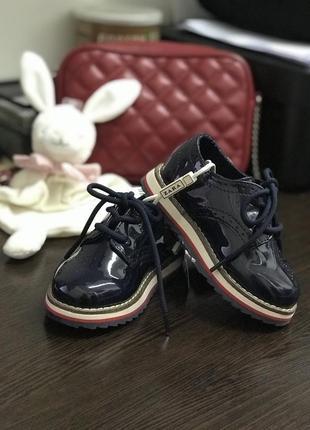Ботинки лаковые детские zara