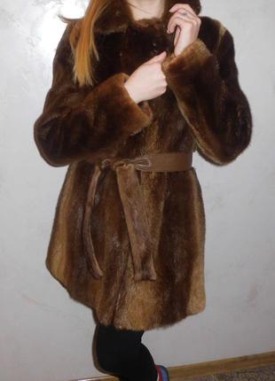 Зимняя распродажа!!!шуба-натуральный мех.