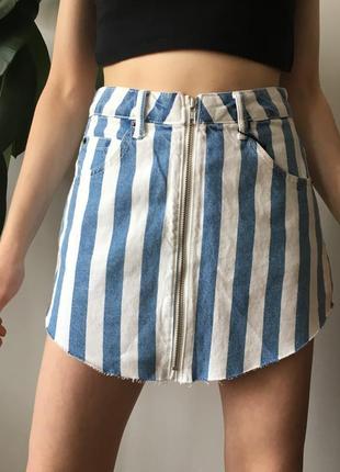 Джинсовая юбка с замком в полоску на высокой посадке с завышенной талией