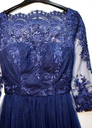 Оригинальное шикарное многослойное платье с кружевом сhi сhi london2 фото