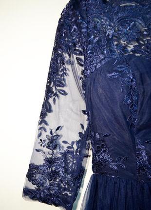 Оригинальное шикарное многослойное платье с кружевом сhi сhi london4 фото