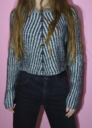 Плотный укороченый свитер h&m